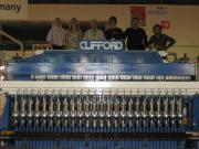 Сотрудники отдела МОСТ (Вебер Комеханикс) на линии Clifford QRP24, запущенной в работу на выставке Wire 2007 в Москве
